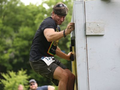 Cliff Hanger Obstacle - ASCO Spartacus Dash